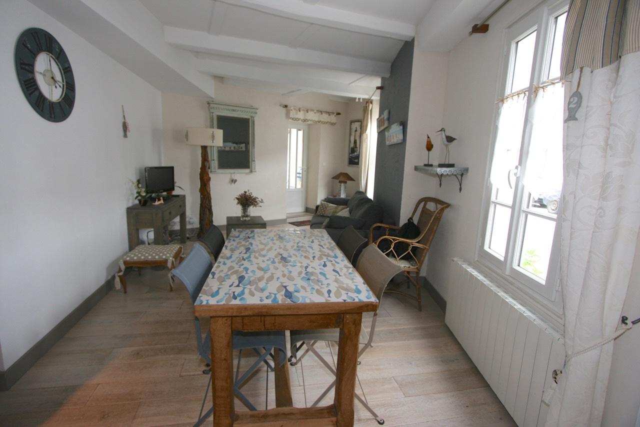 Maison Saint Martin de R� (ref=GH-1792)