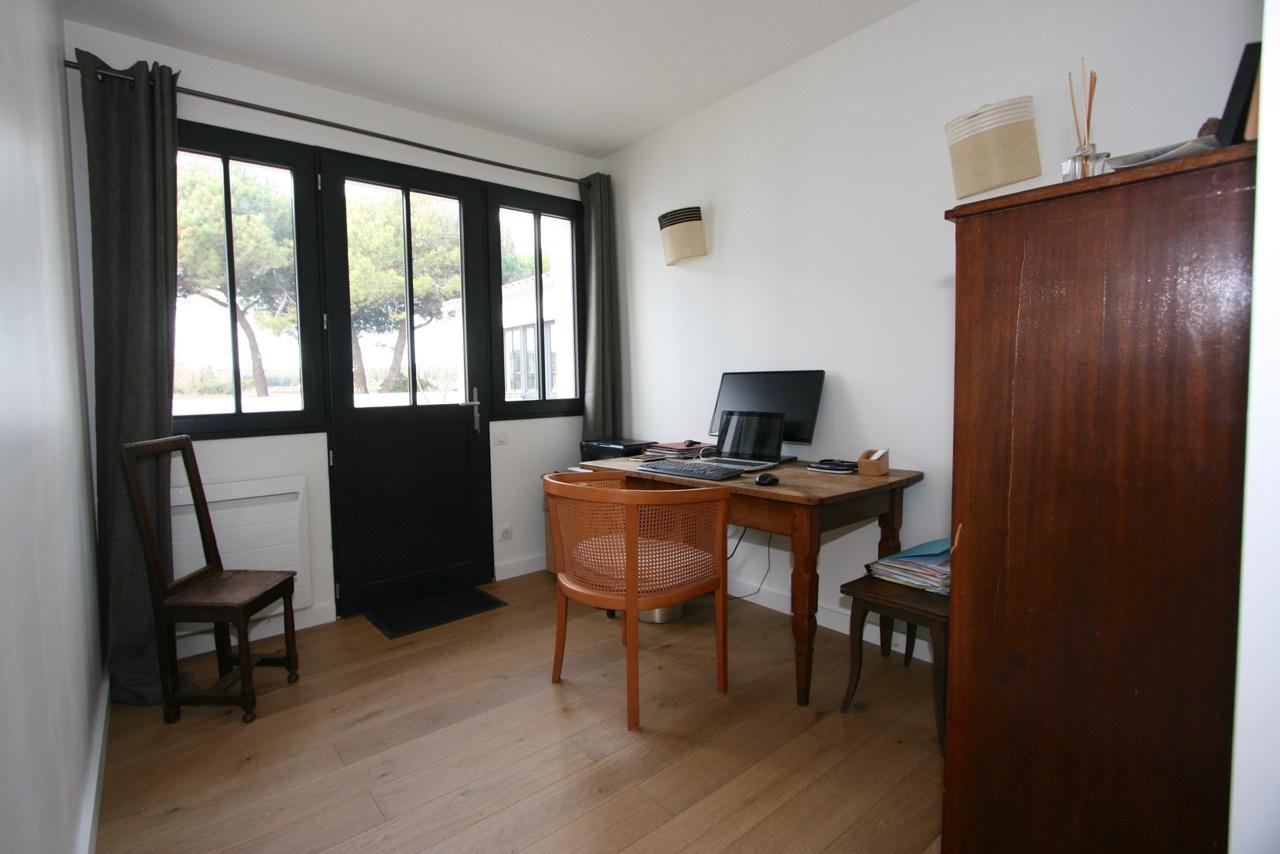 Maison Ars en R� (ref=3737)