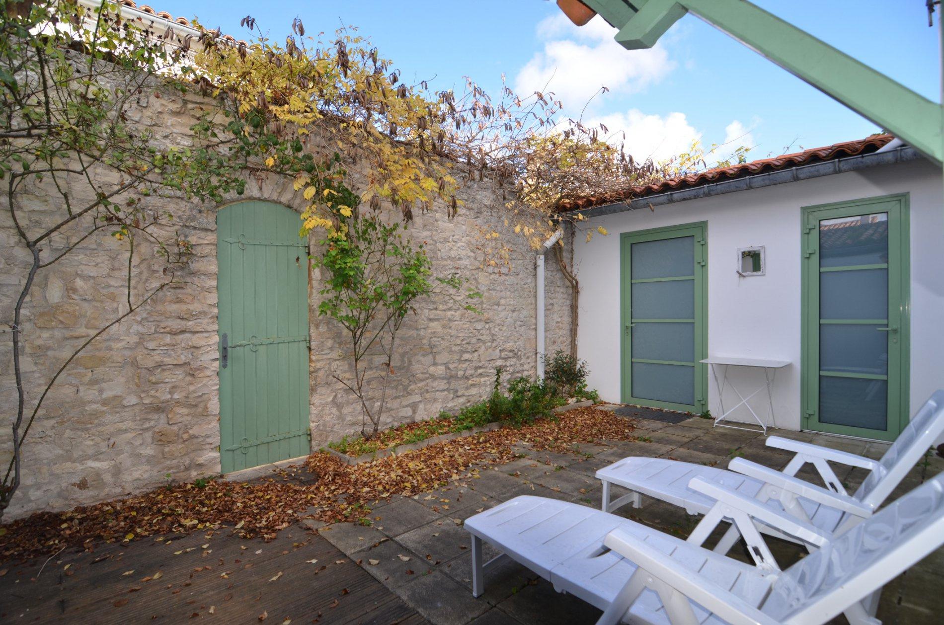 Maison Sainte Marie de R�, La Noue (ref=RE/508)