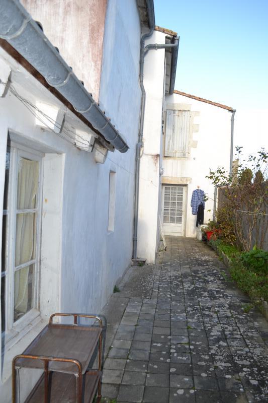 Maison de village Ars en R� (ref=A2201)